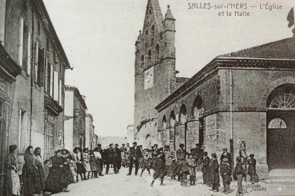Halles et église en 1905